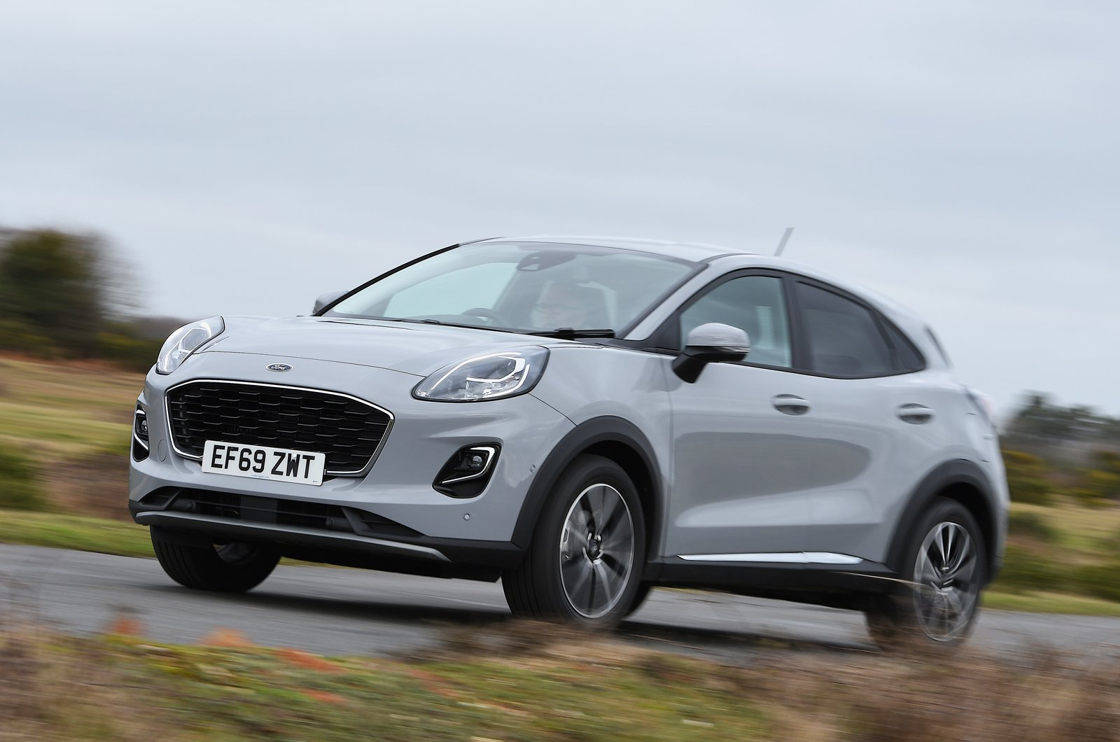 Ford Puma 2020 front panning