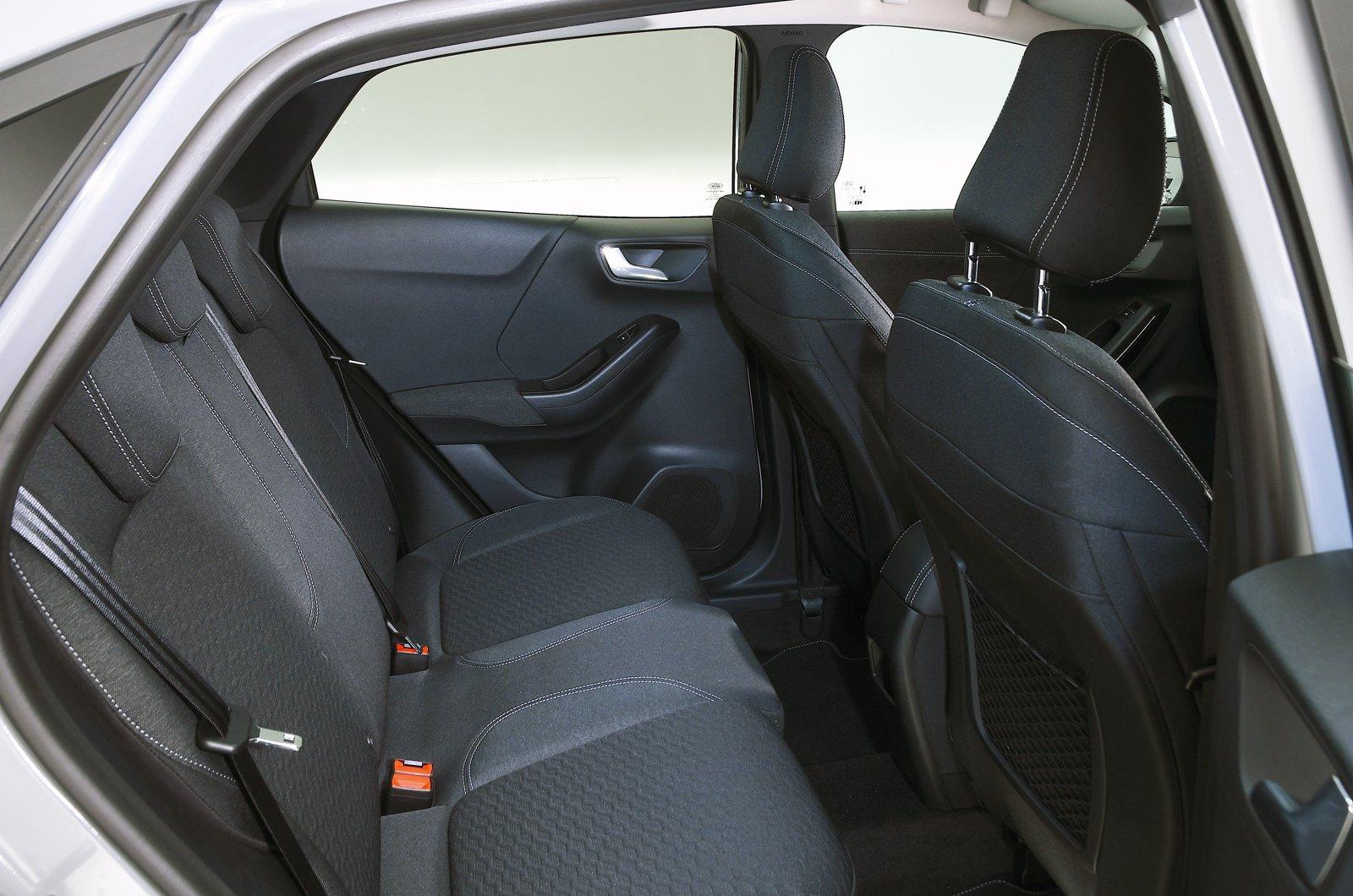 Ford Puma rear seats - grey 69-plate car