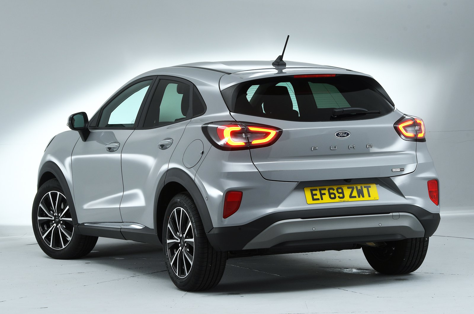 ford-puma-2020-rear-studio