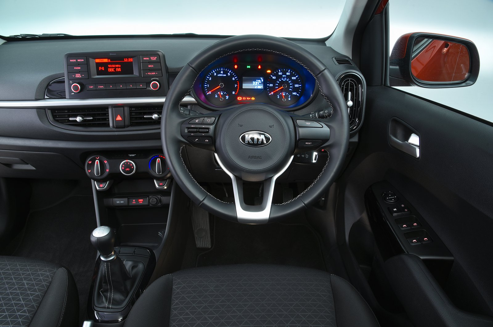 Kia Picanto dashboard - 69-plate car