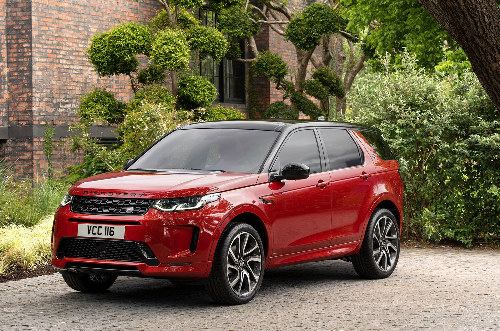 Land Rover Discovery Sport parked up