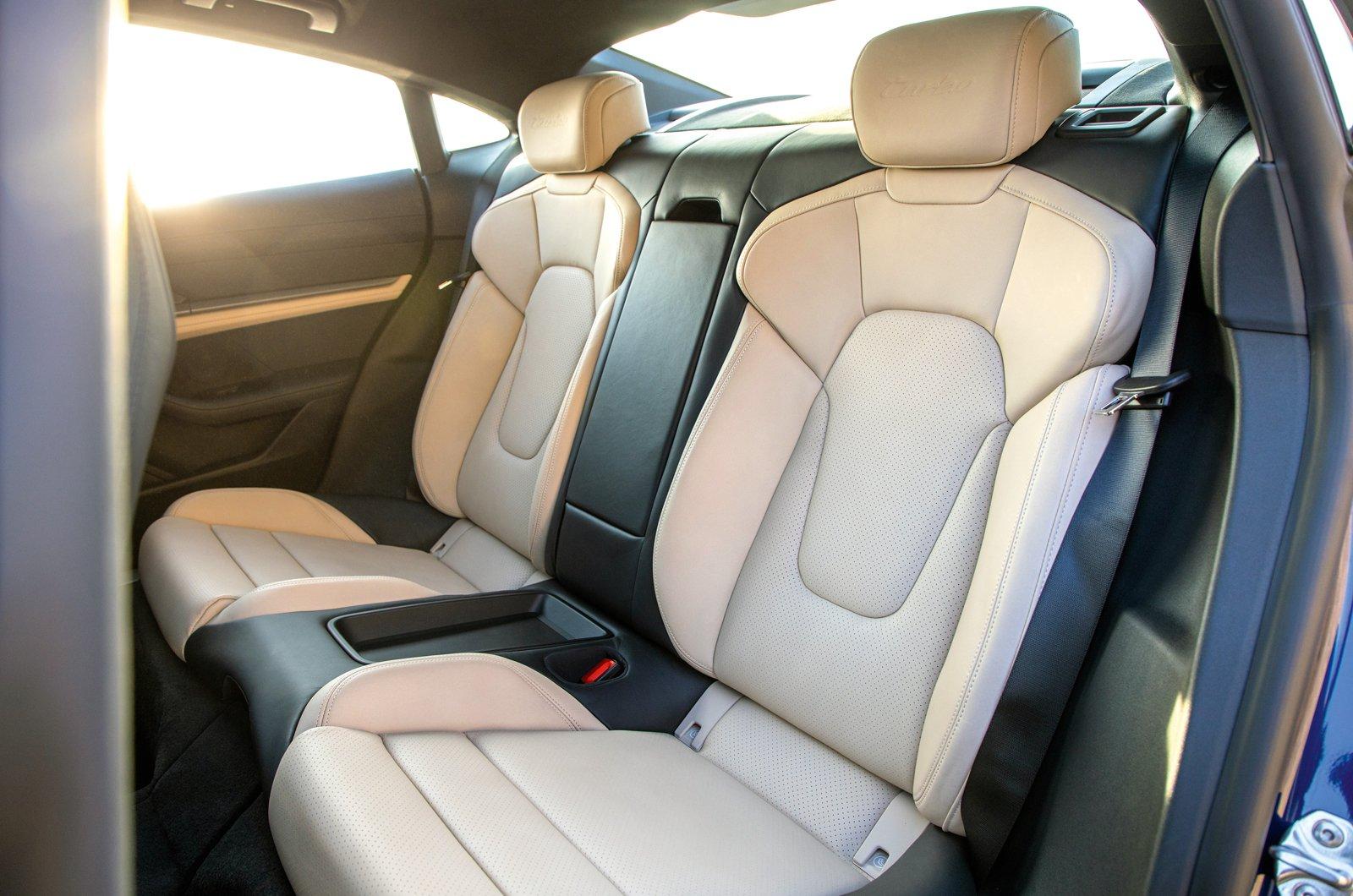 Porsche Taycan reader test team - rear seats