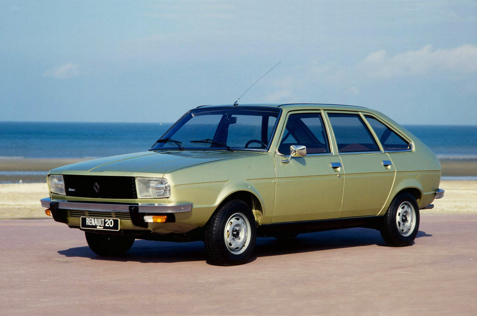 Renault 20 front