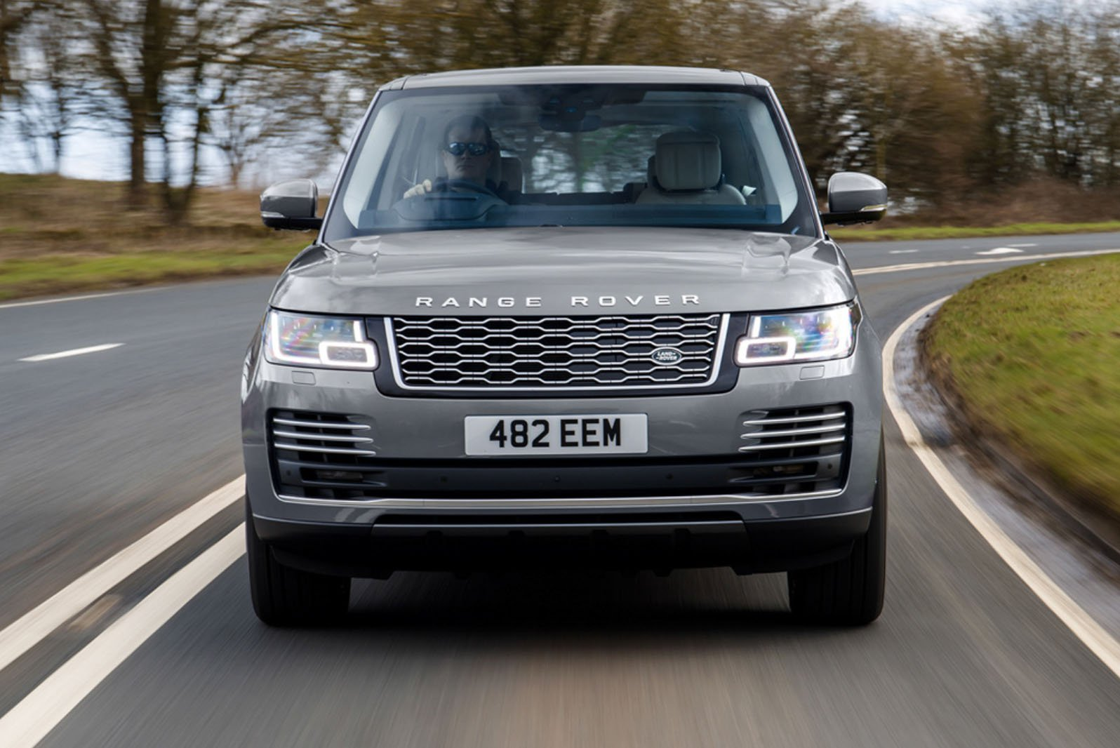 2020 Range Rover P400 front on