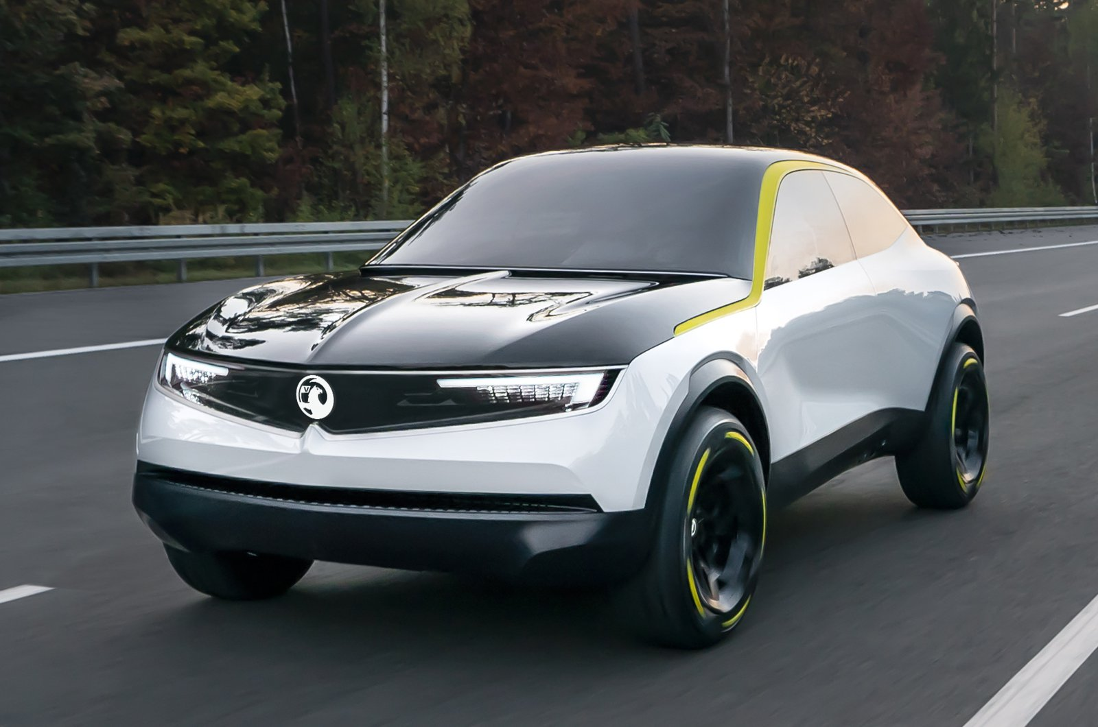 Vauxhall GT X Experimental front driving
