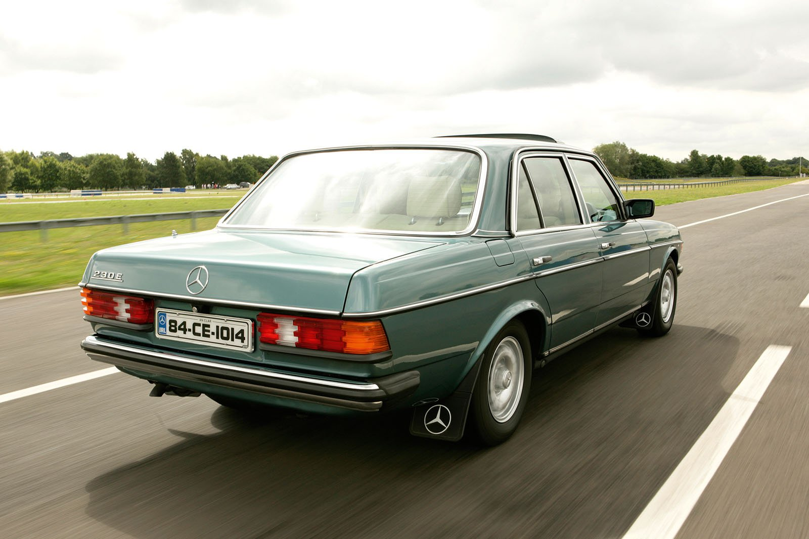 Mercedes W123 saloon
