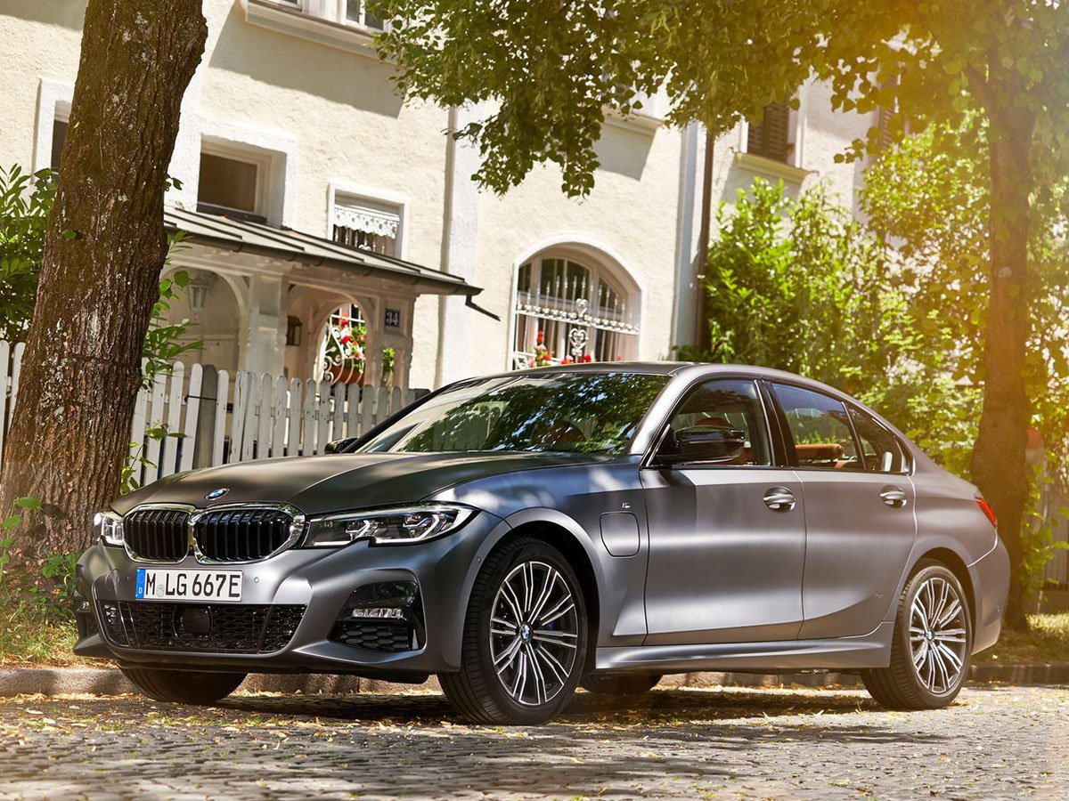 The BMW 330e takes the style, dynamic performance and high-tech premium interior of the new 3 Series, and adds a plug-in hybrid engine that makes driving more refined and efficient