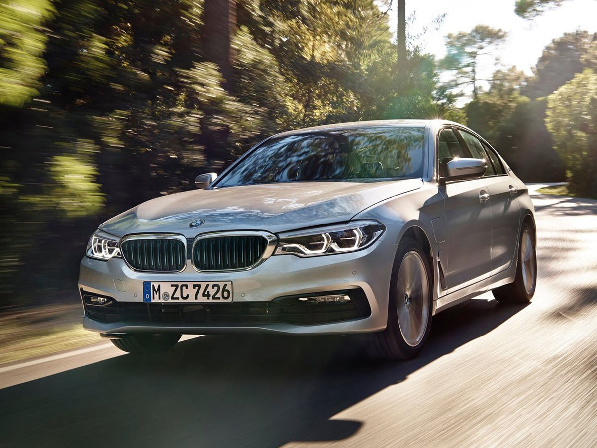 The BMW 530e is the perfect large plug-in hybrid saloon. It's a four-times winner of the What Car? Luxury Car Award, thanks to its sublime handling and luxuriously cosseting interior
