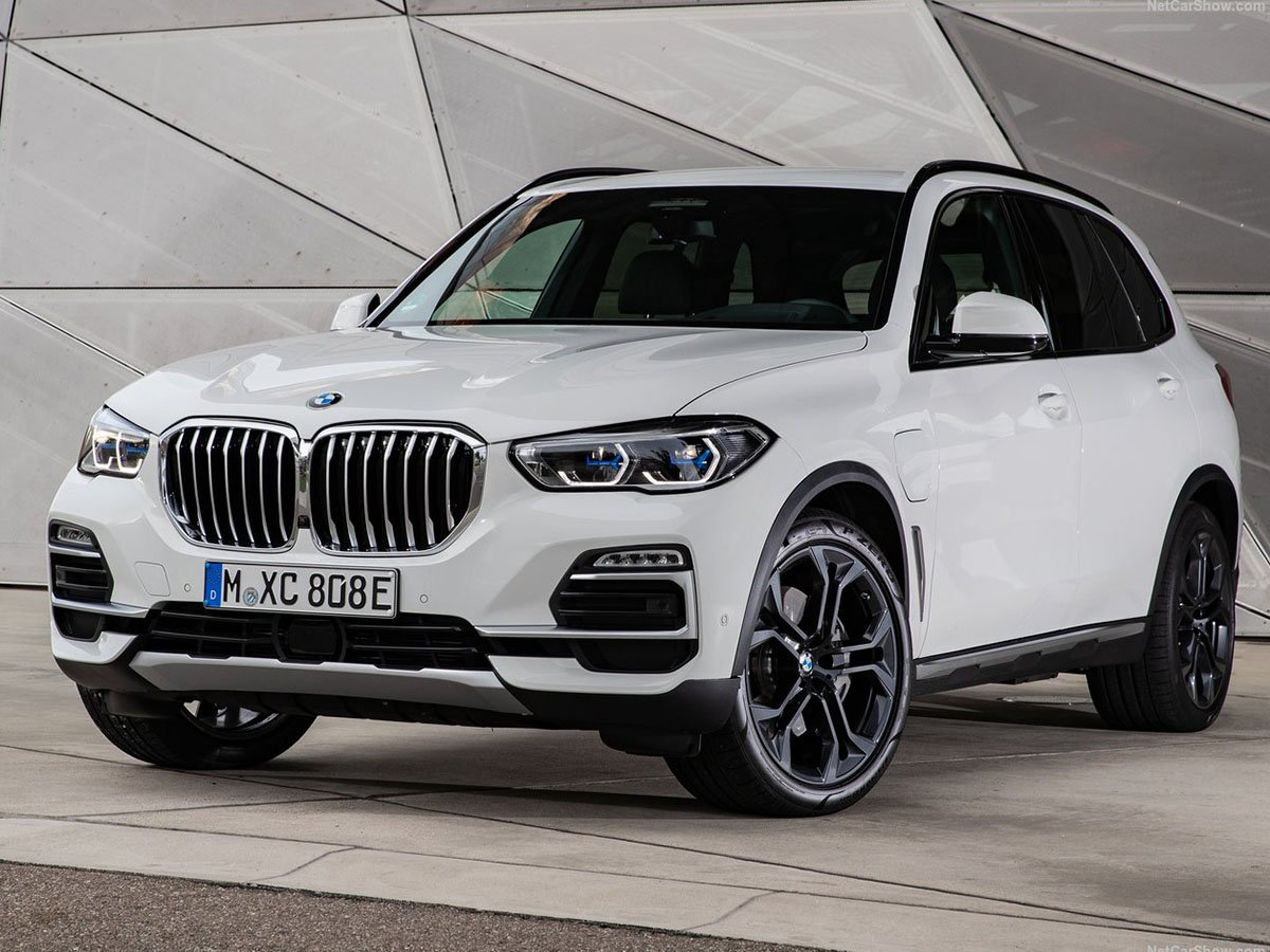 If you have a large family and big ambitions, the BMW X5 xDrive45e is the plug-in hybrid SUV to pick. It offers an impressive 54 miles of all-electric range for everyday urban driving
