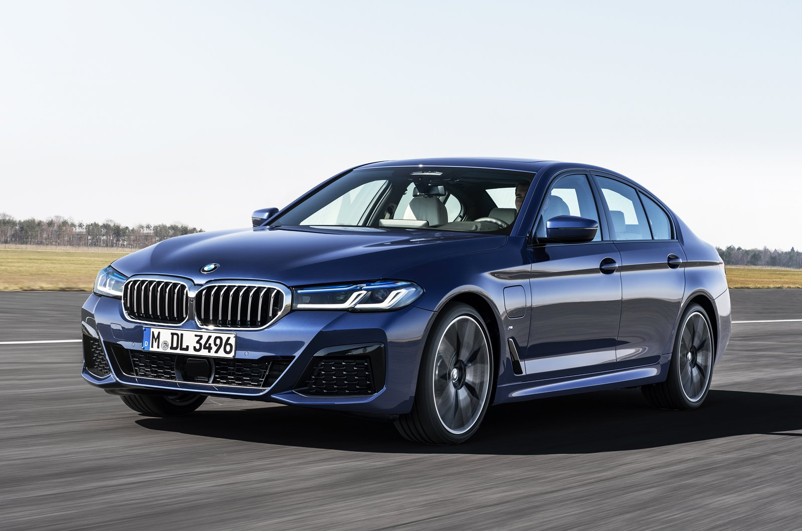 2021 BMW 5 Series saloon front tracking - German plate