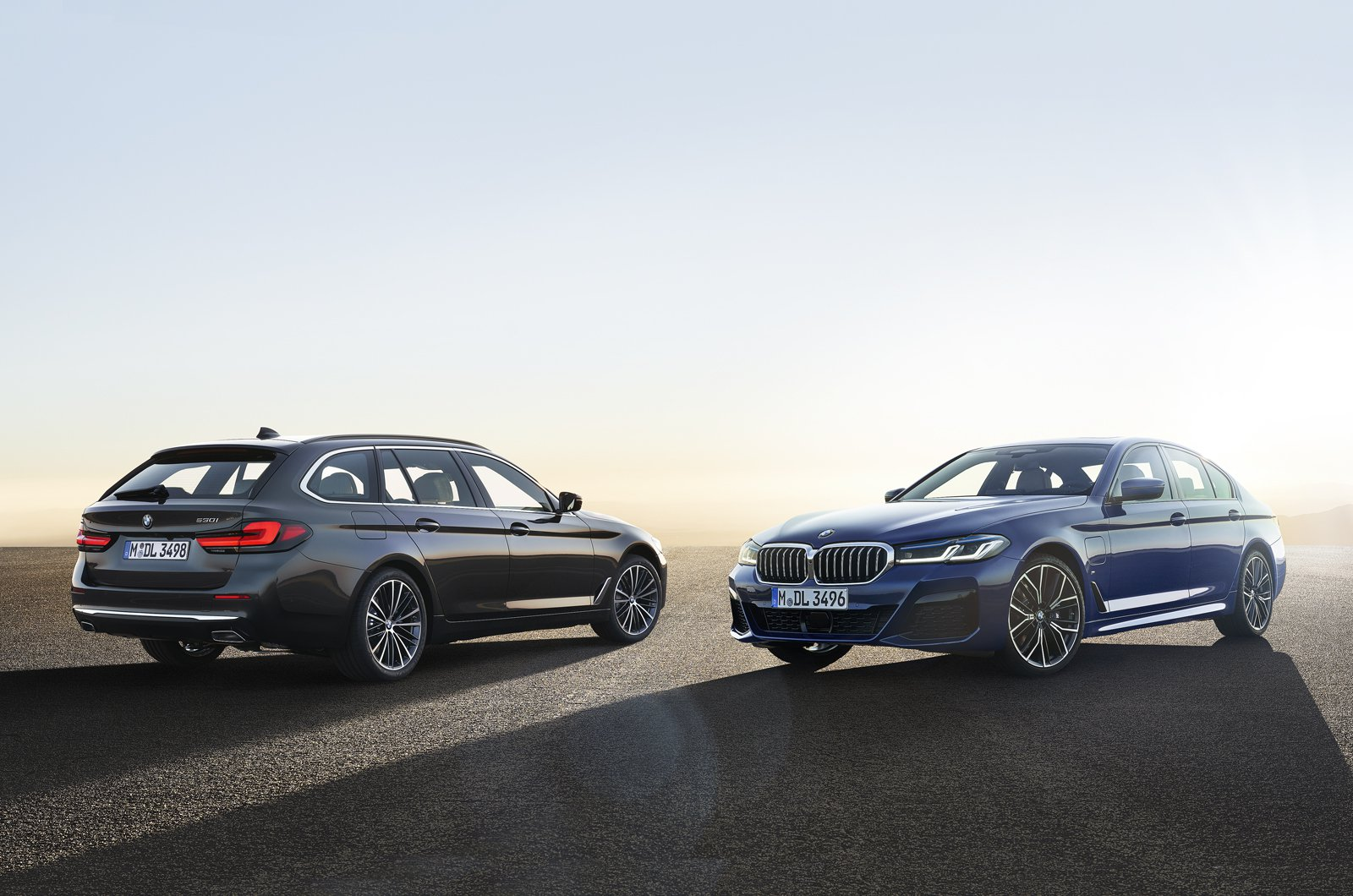 2021 BMW 5 Series Touring and saloon static - German plates