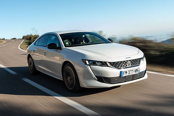 2020 Peugeot 508 Hybrid saloon front 3/4