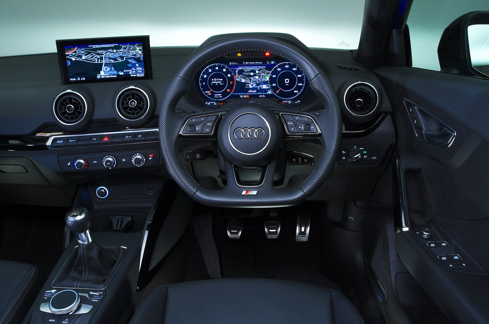 Audi Q2 dashboard - blue 19-plate car