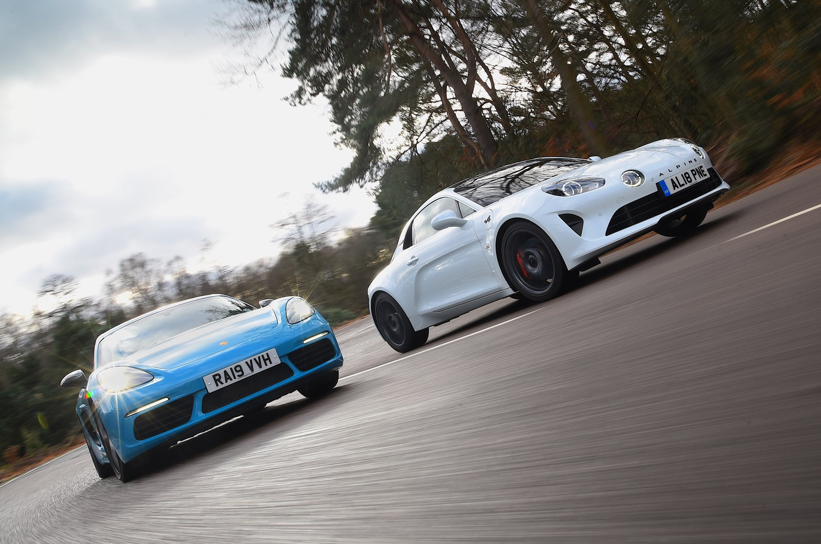 Alpine A110 S vs Porsche 718 Cayman T - action