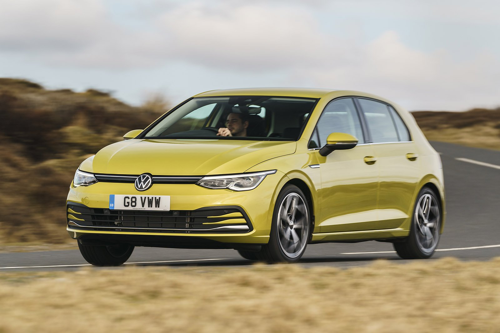 Volkswagen Golf 2021 RHD front left tracking