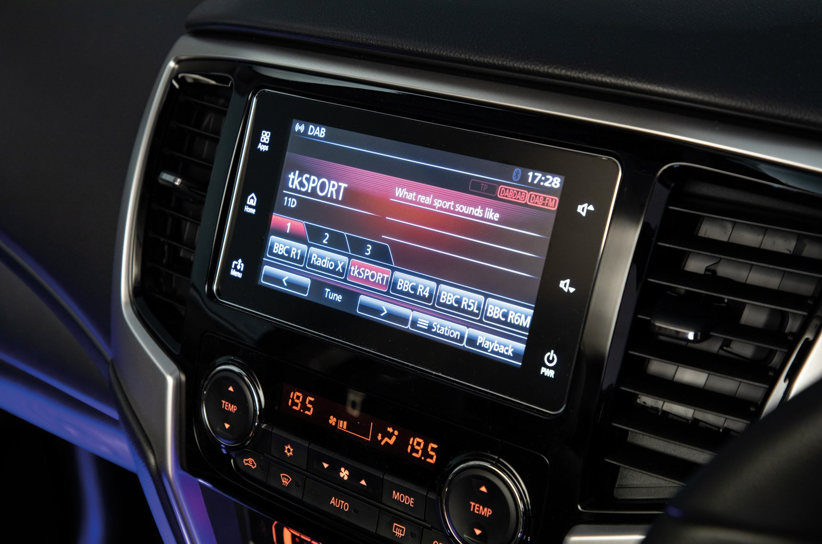 Mitsubishi L200 touchscreen - 69 plate