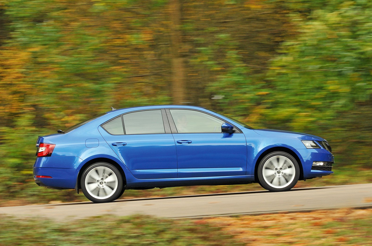 Skoda Octavia side - 67-plate car