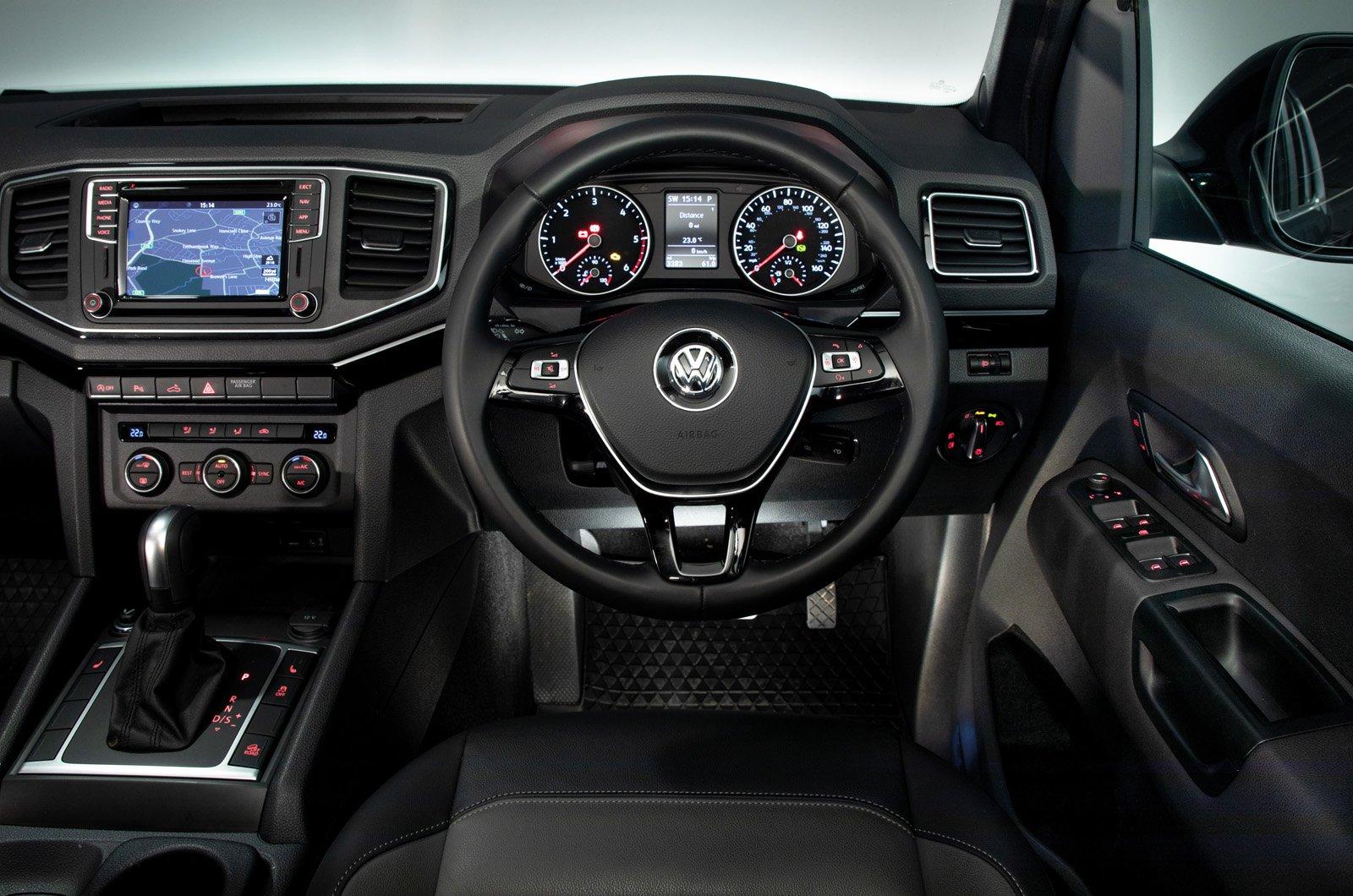 Volkswagen Amarok dashboard - 69 plate
