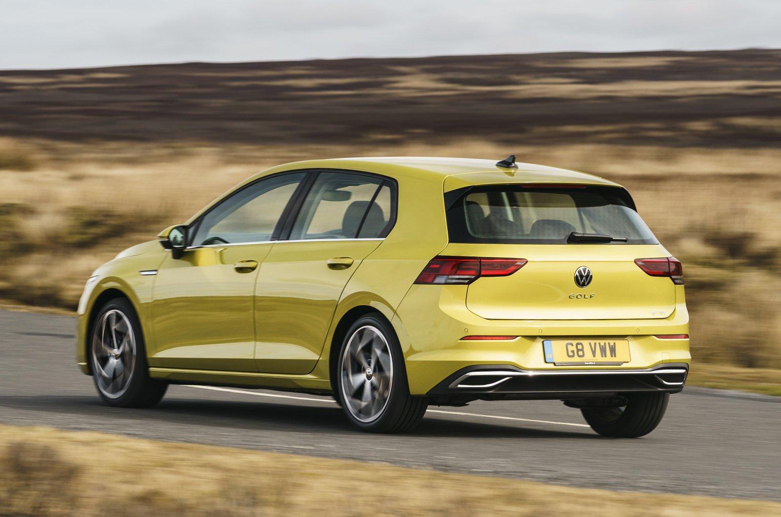 Volkswagen Golf 2021 rear panning