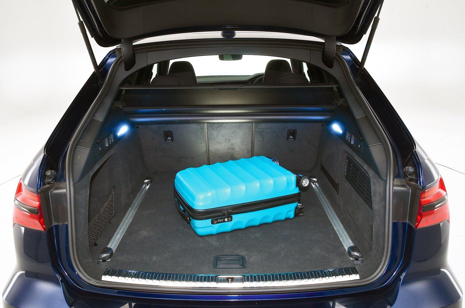 Audi RS6 Avant boot