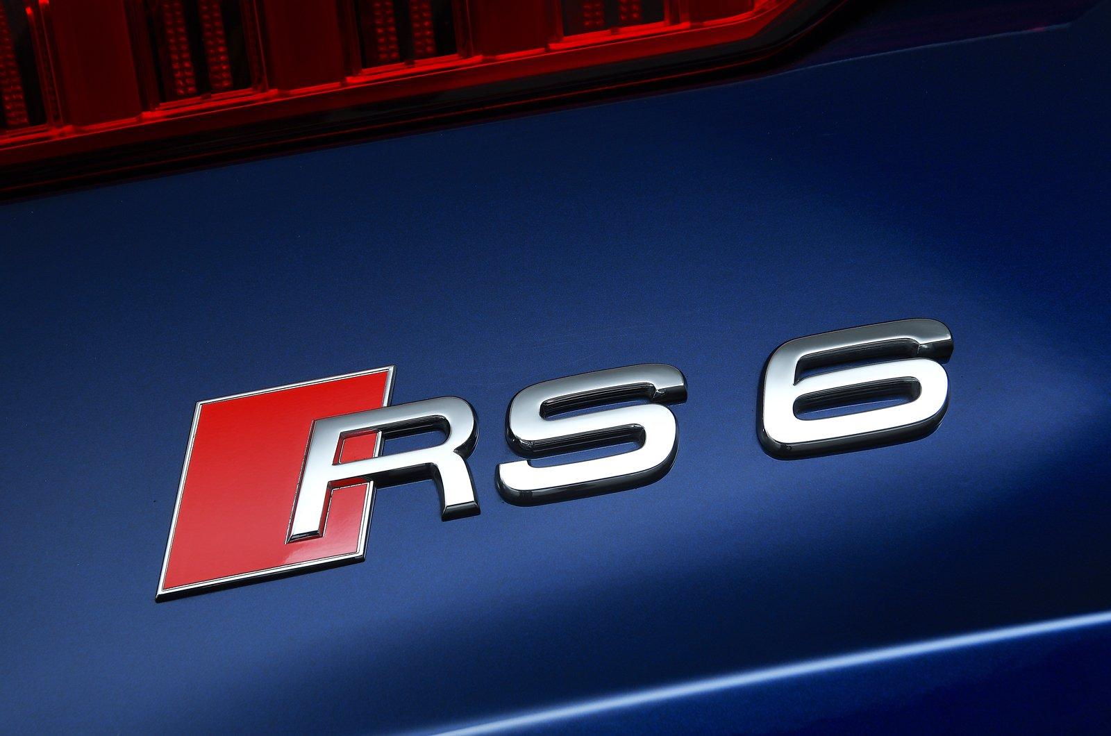 Audi RS6 Avant boot badge