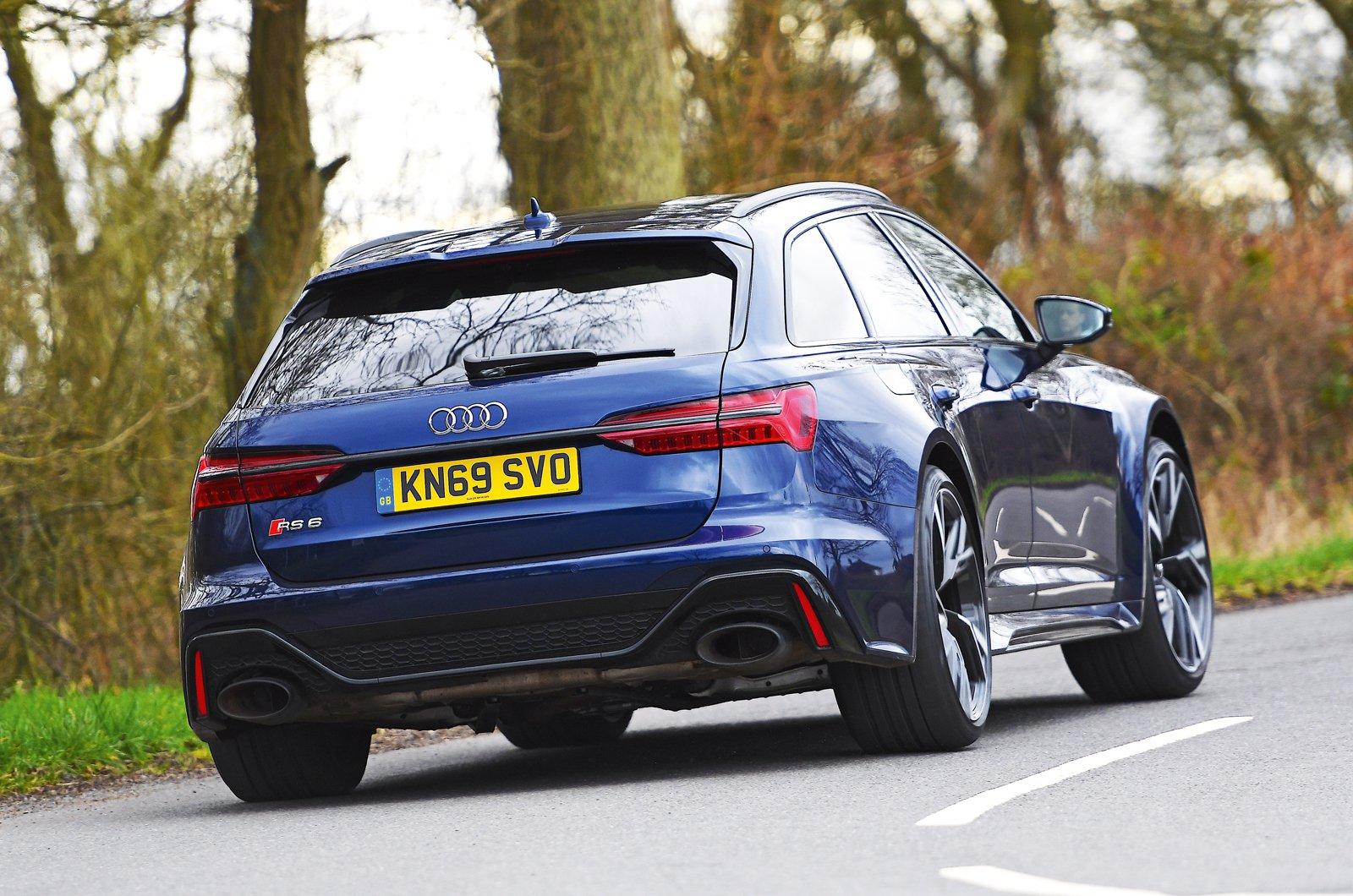 Audi RS6 Avant rear cornering
