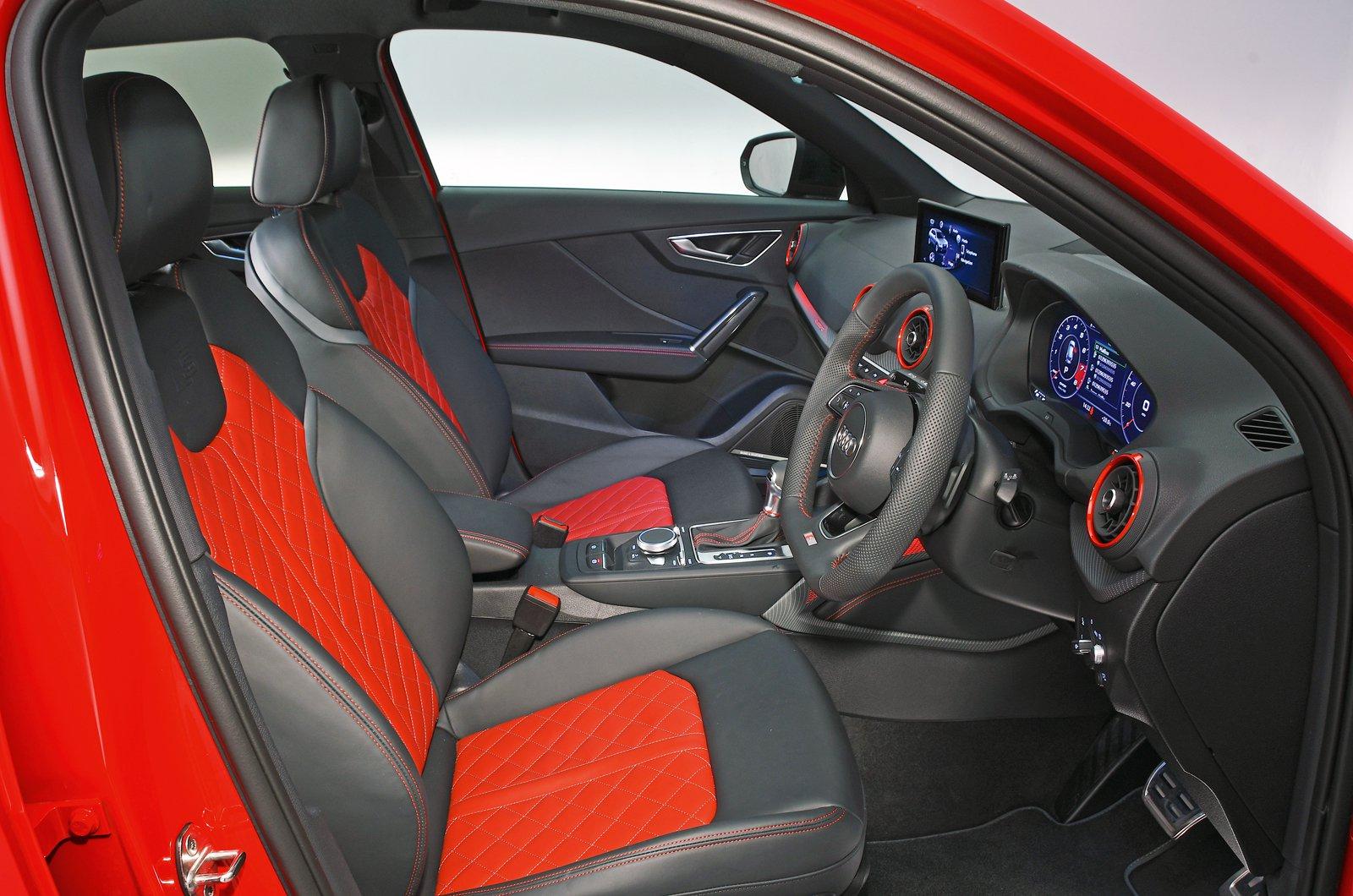 Audi SQ2 front seats