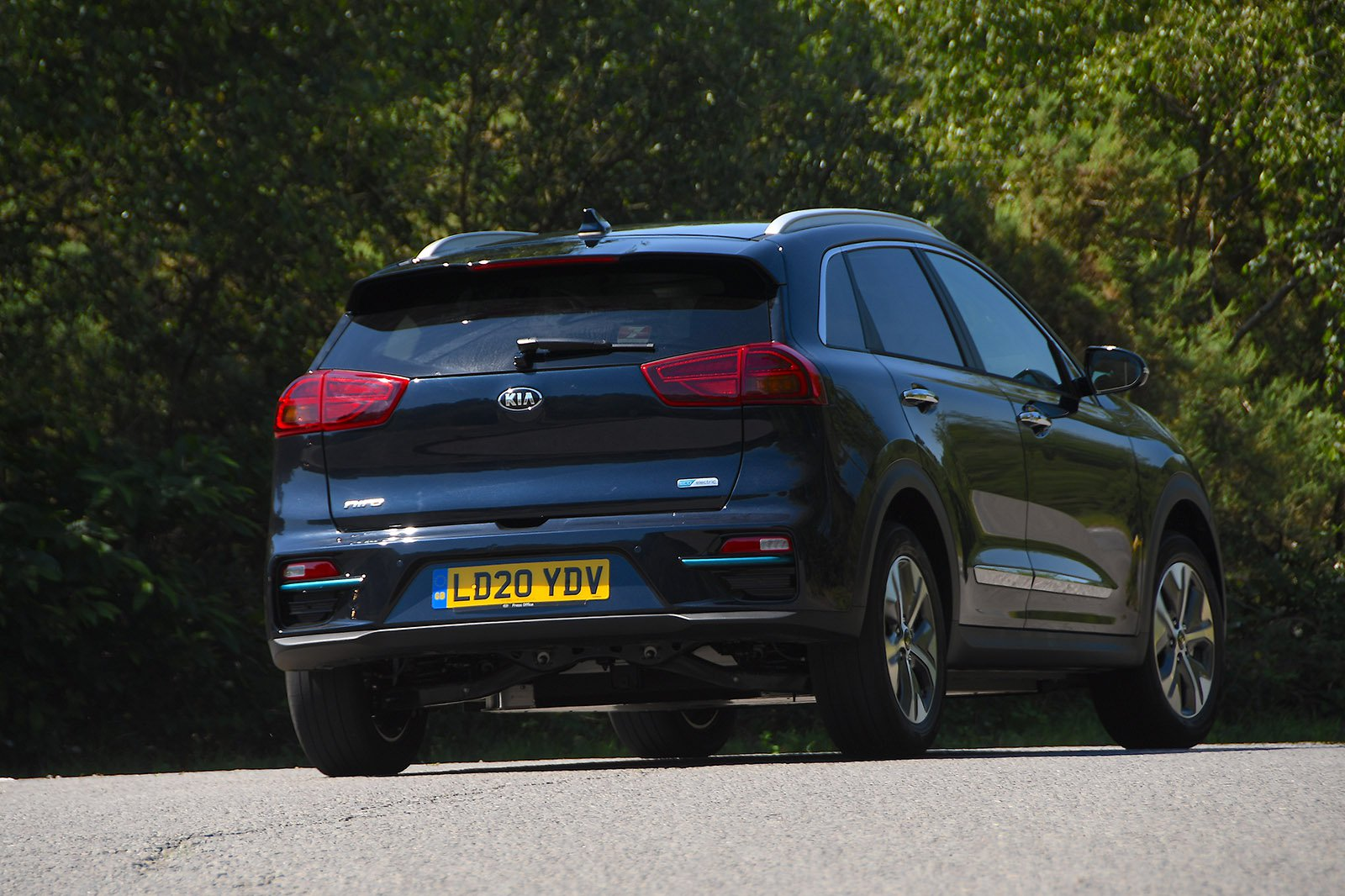 Kia e-Niro 2020 RHD rear tracking