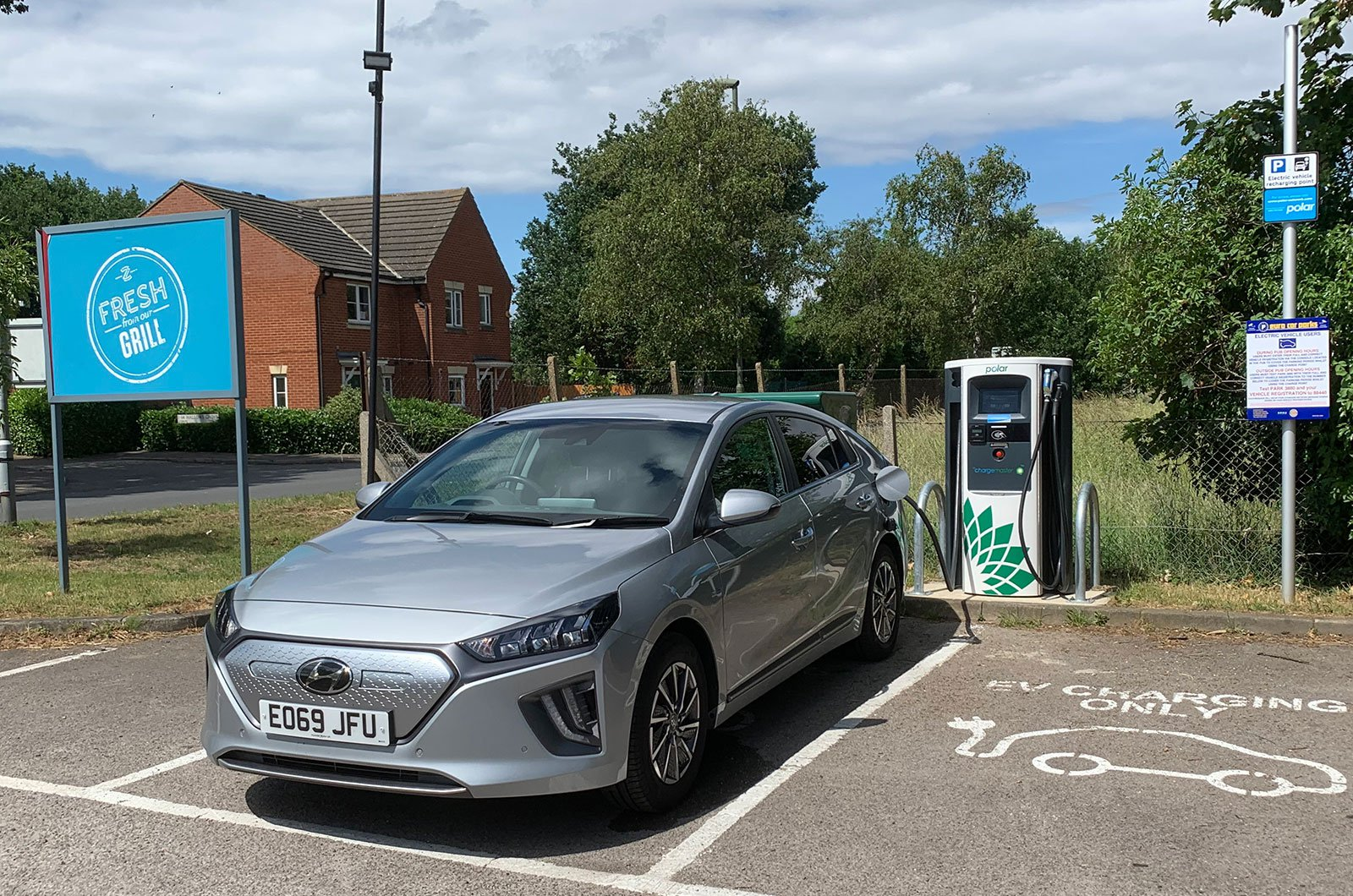 Hyundai Ioniq Electric charging