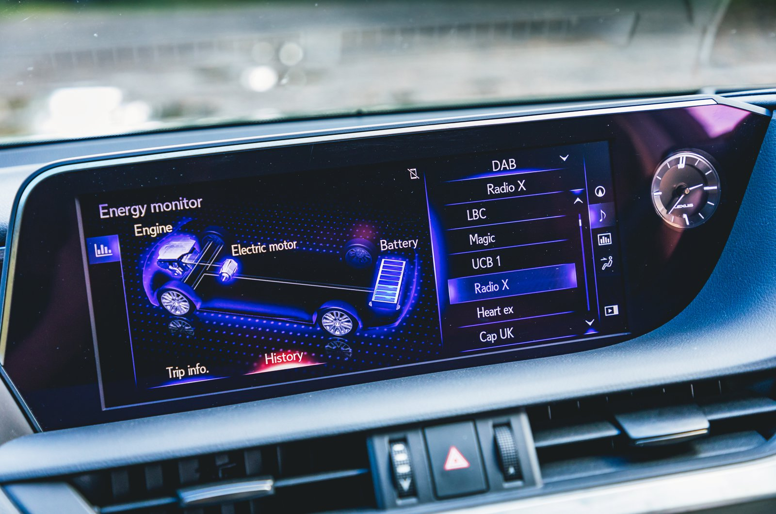 Lexus ES infotainment screen - 68 plate