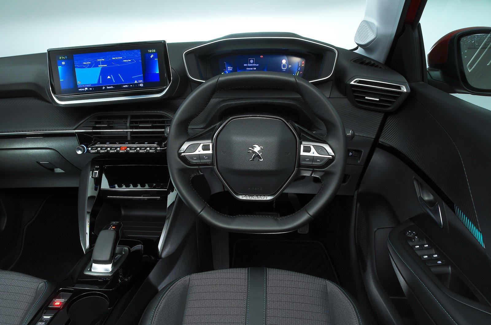 Peugeot e-208 dashboard