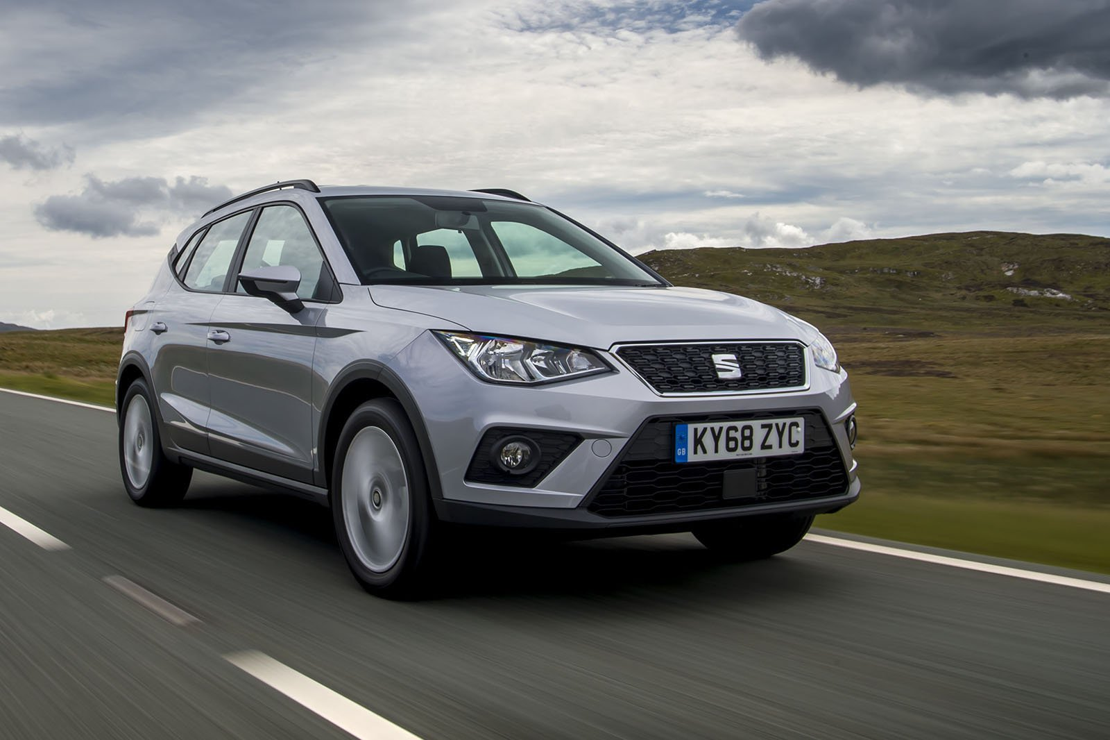 Seat Arona 2019 RHD front right tracking