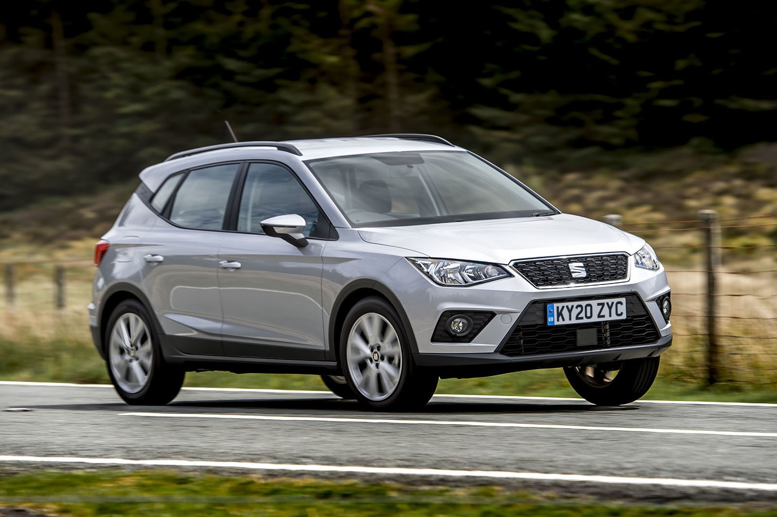 Seat Arona 2020 RHD front wide tracking