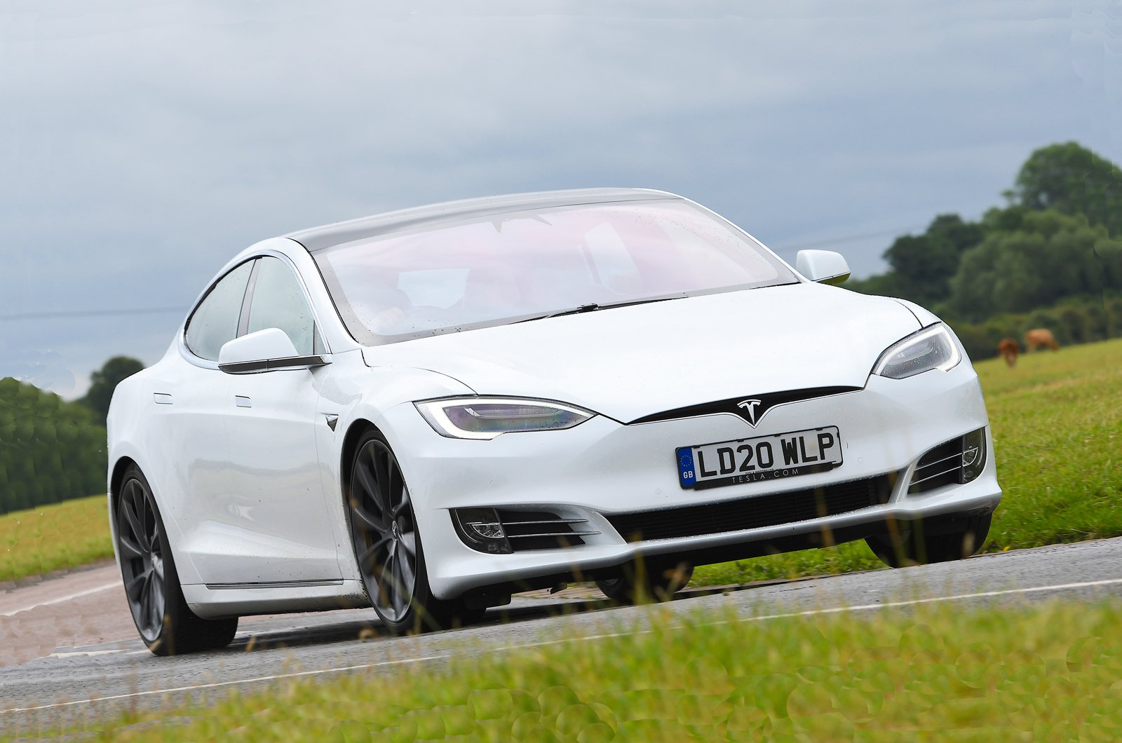 2020 Tesla Model S front cornering