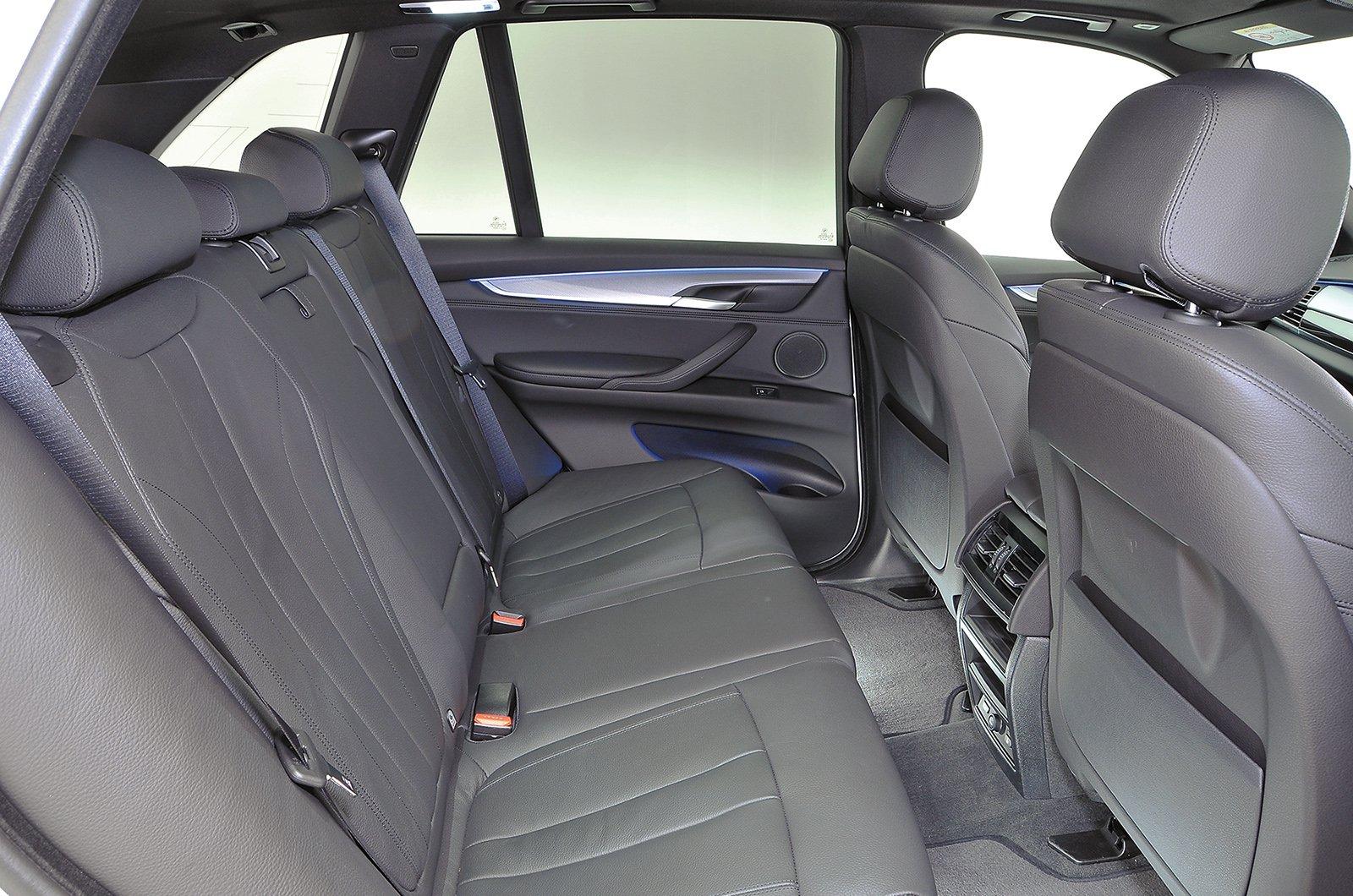 Used BMW X5 rear leg room