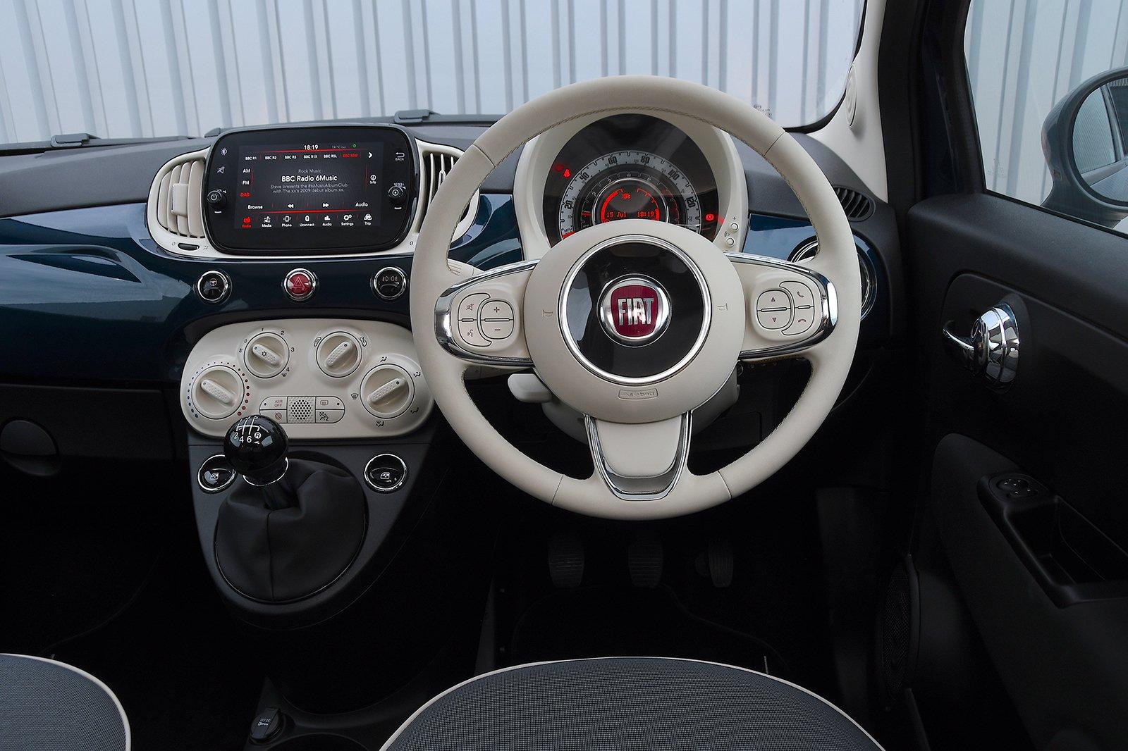 Fiat 500 2020 RHD dashboard