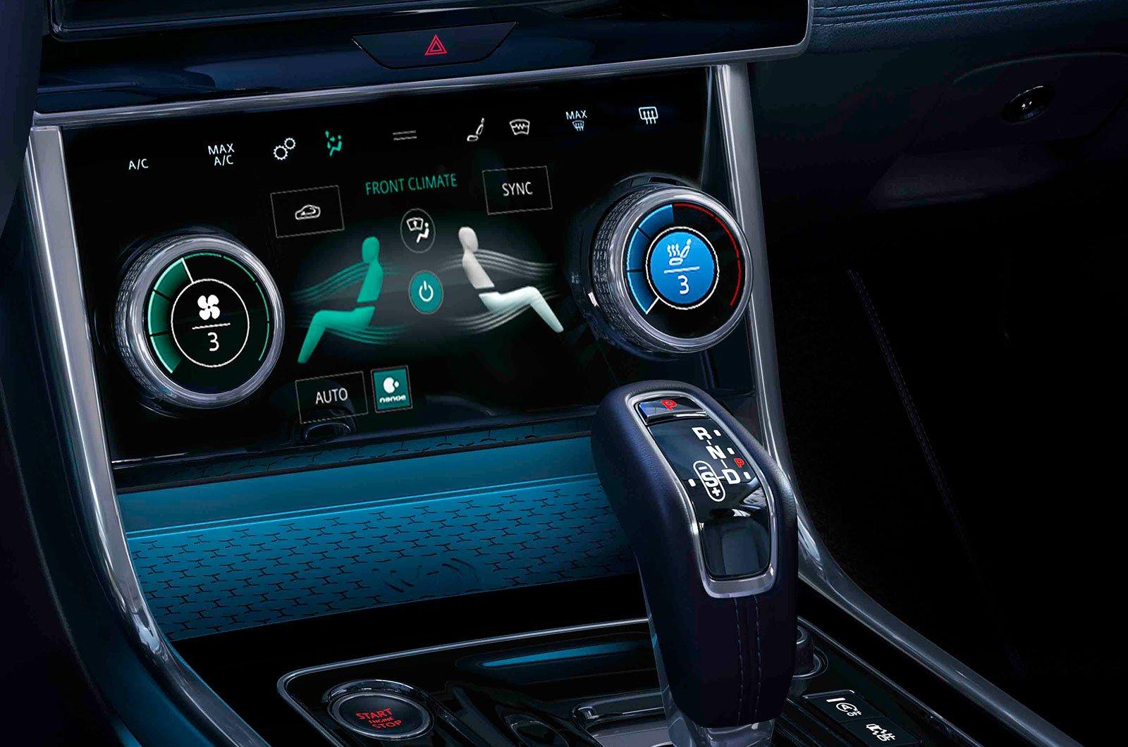 Jaguar XE centre console