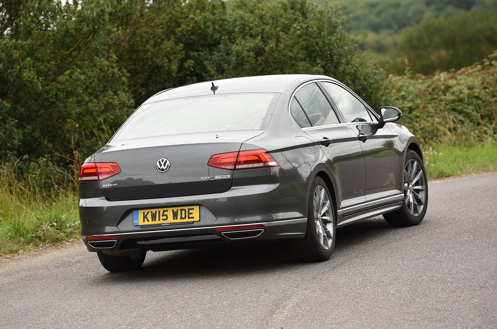 2015 Volkswagen Passat R Line rear 3/4