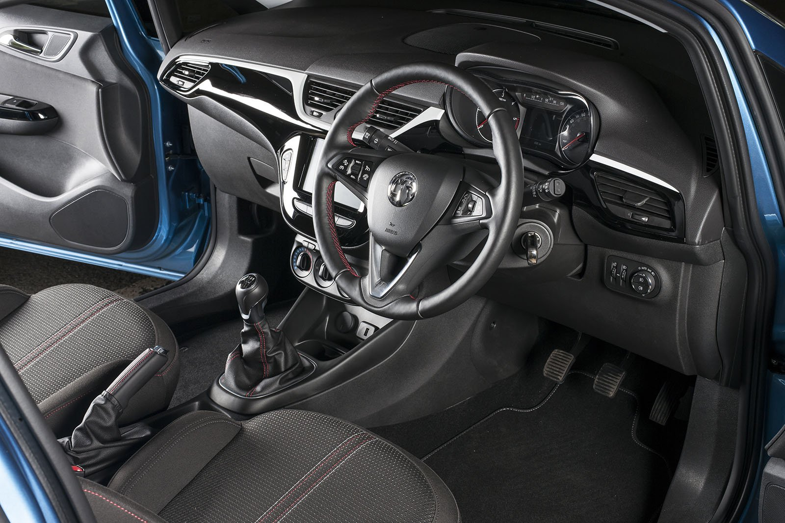 Vauxhall Corsavan dash