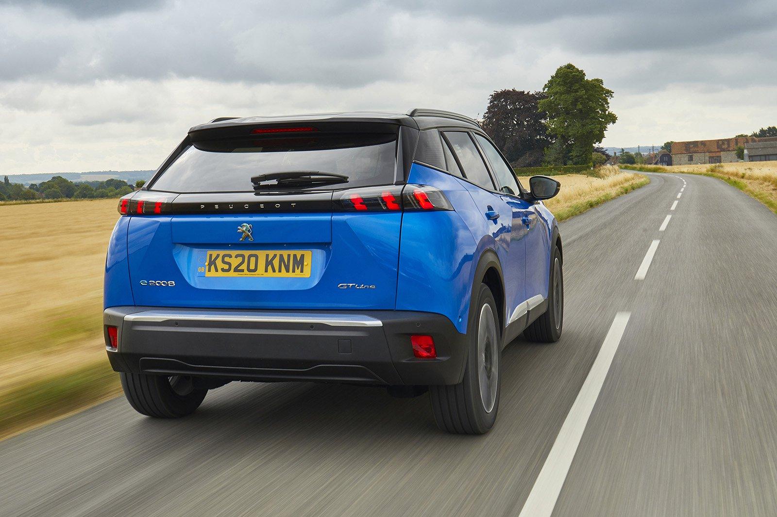 Peugeot e-2008 2020 rear tracking