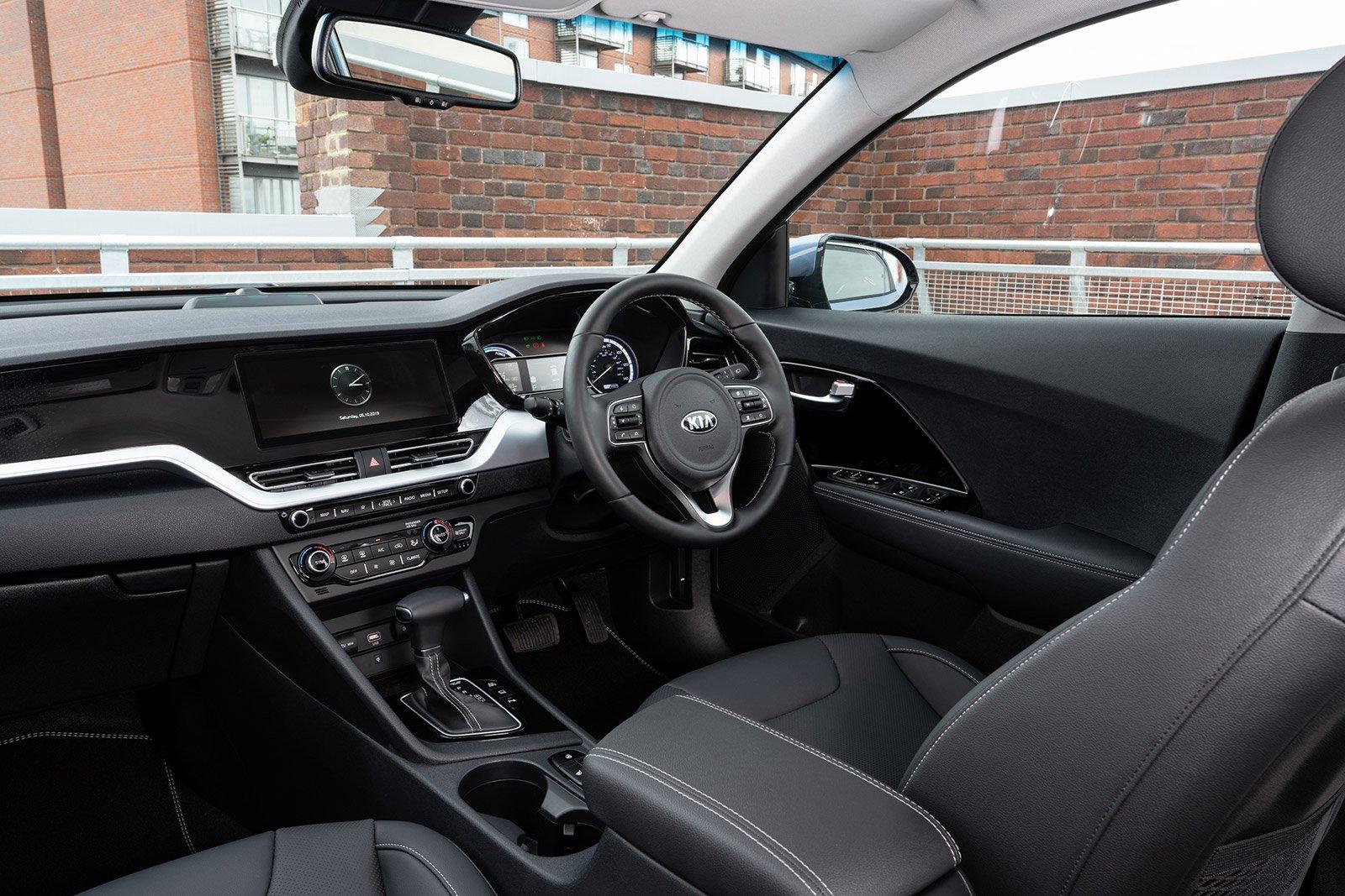 SMALL SUV: Kia Niro PHEV 1.6 GDi 3 dashboard