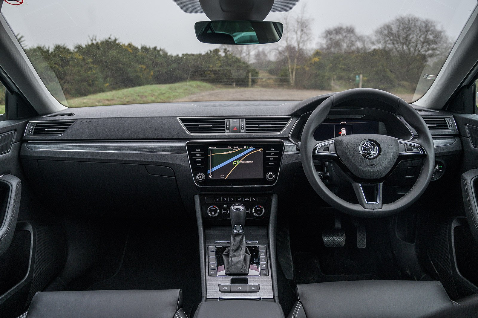 ESTATE CAR: Skoda Superb Estate iV SE Technology  dashboard