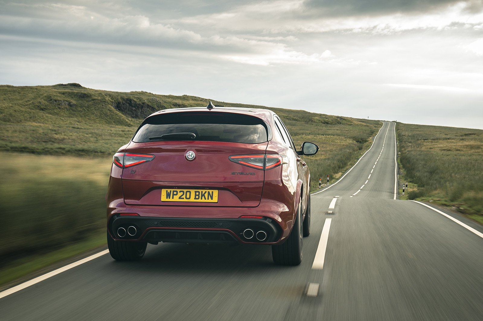 Alfa Romeo Stelvio Quadrifoglio 2020 rear tracking