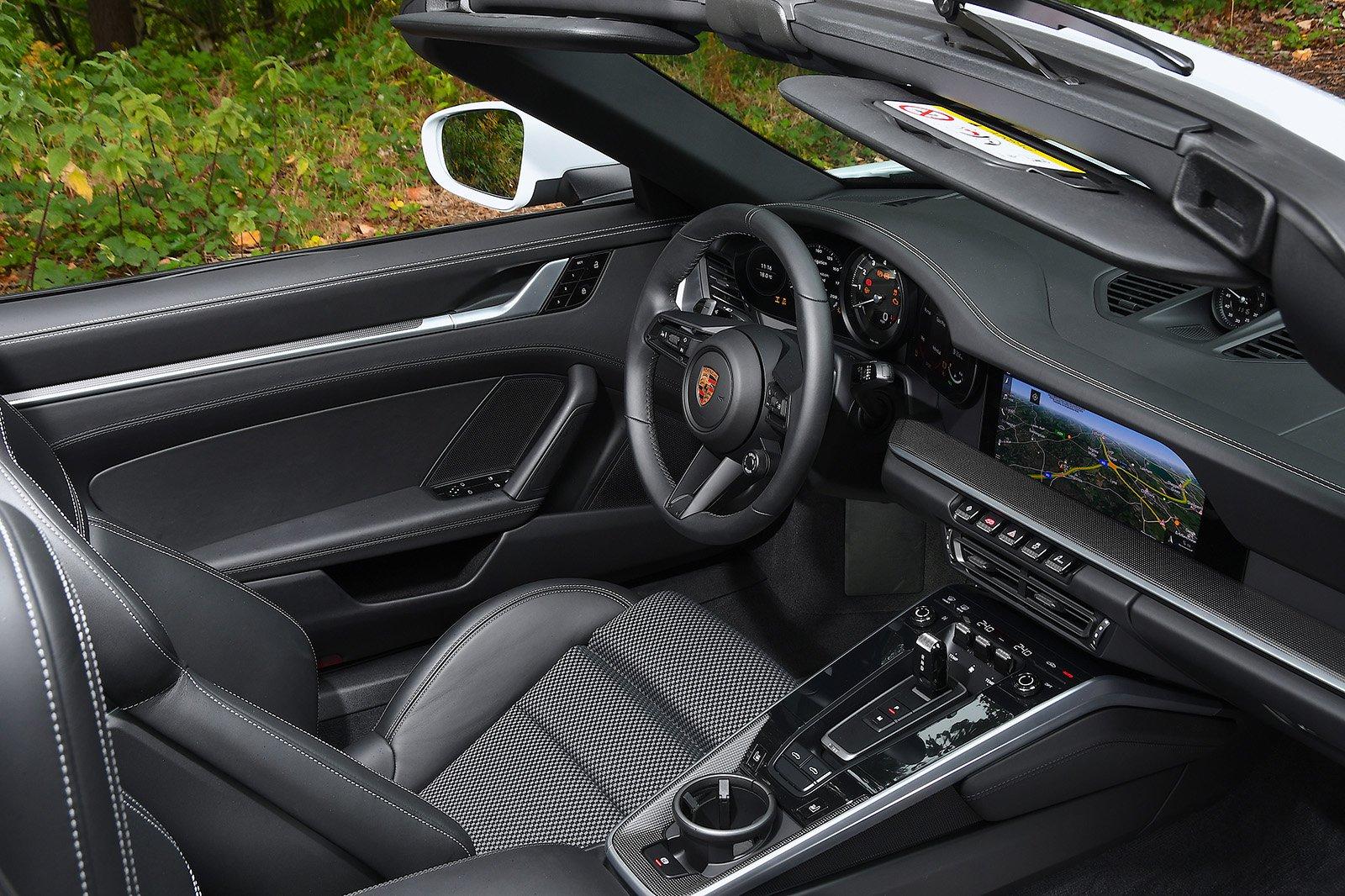 Porsche 911 Targa 2020 RHD dashboard