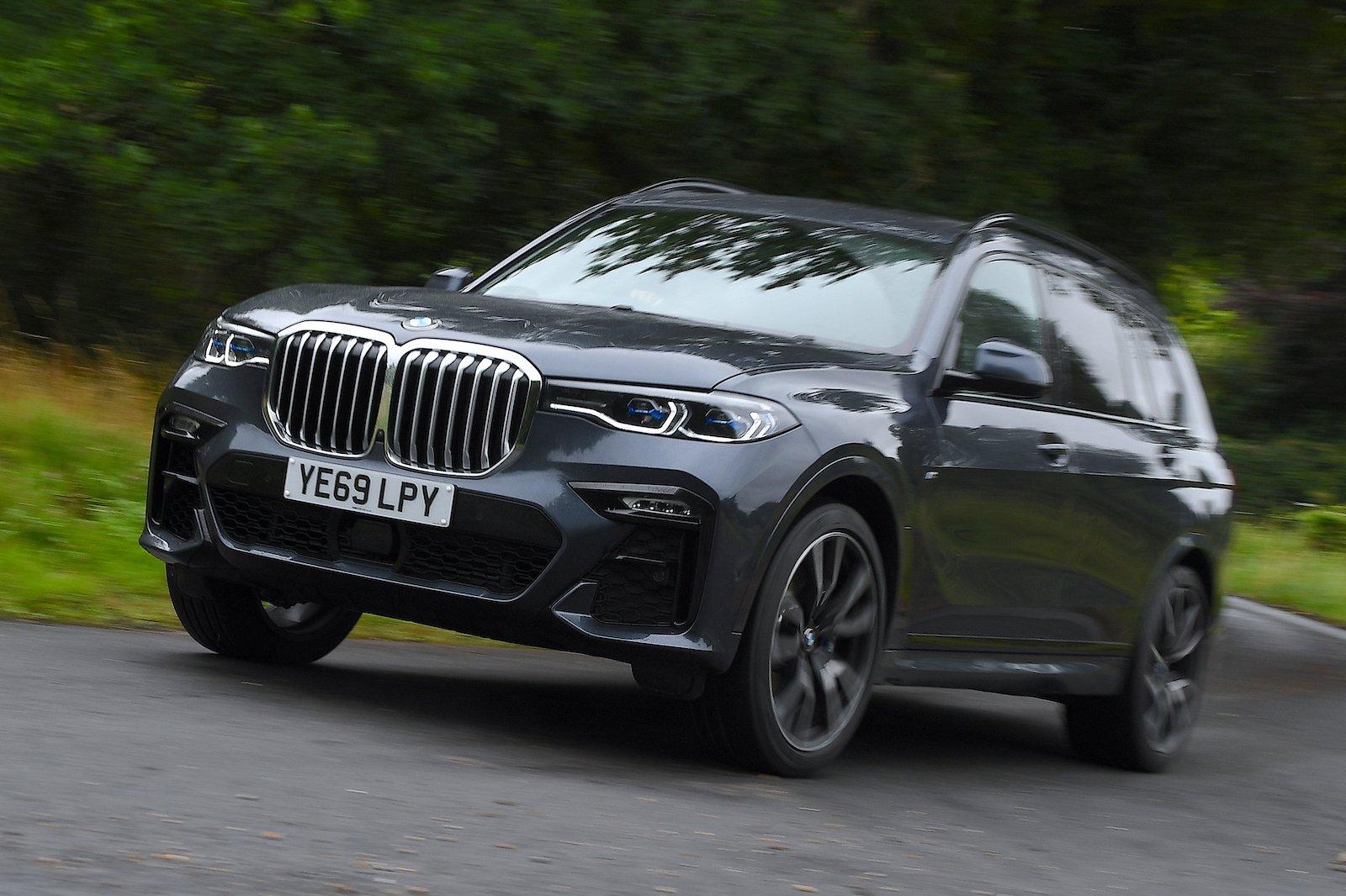 BMW X7 Long Termer Cornering YE69 LPY