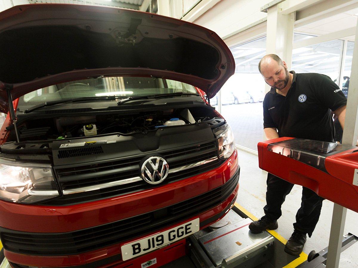 Volkswagen Transporter front end