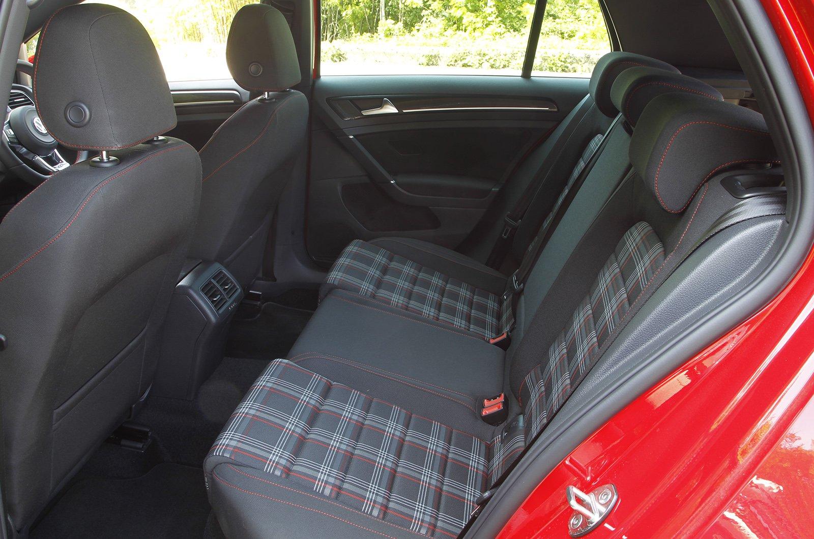 Volkswagen Golf GTI 2013-2019 rear seat