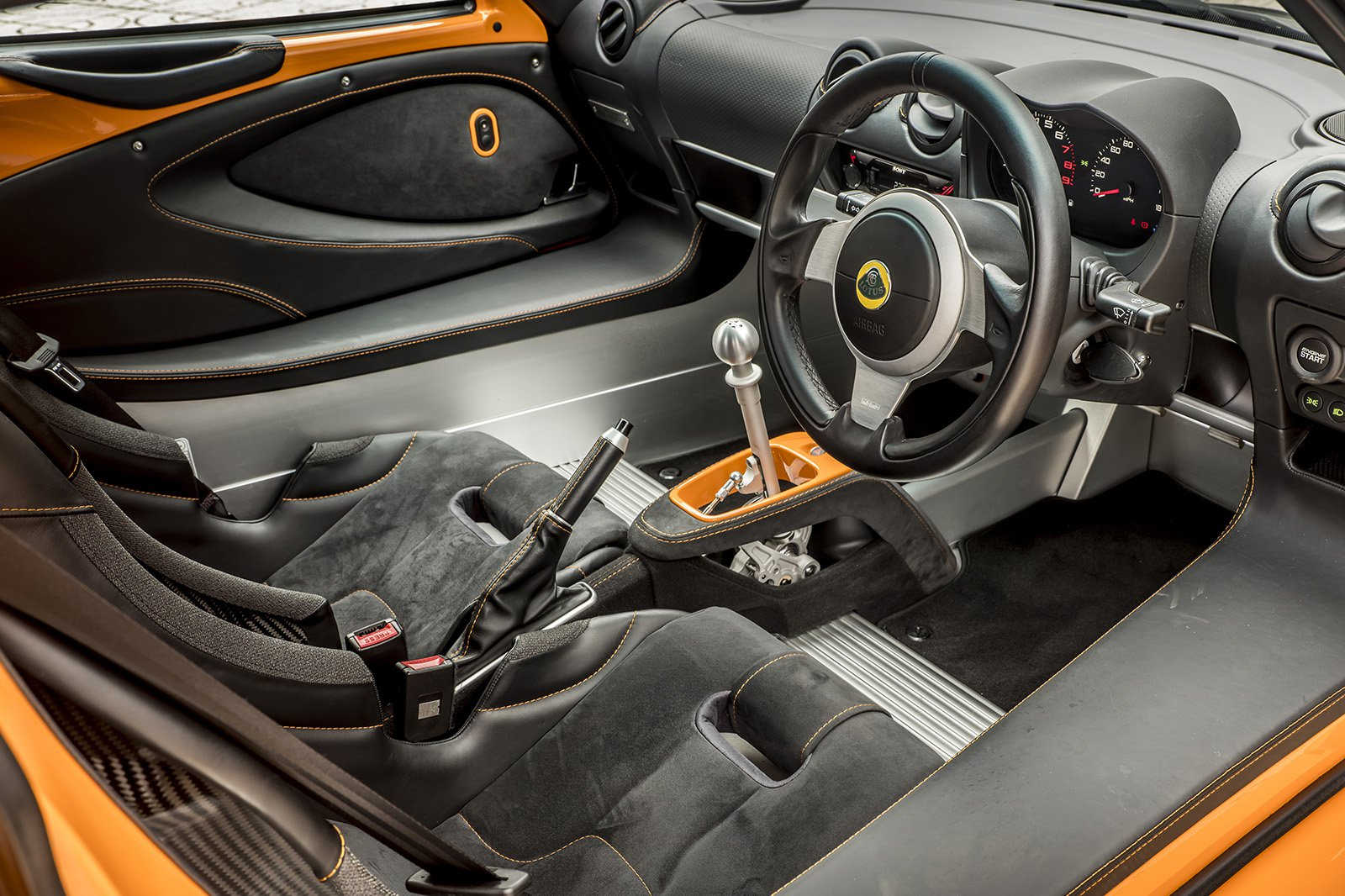Lotus Elise 2020 dashboard