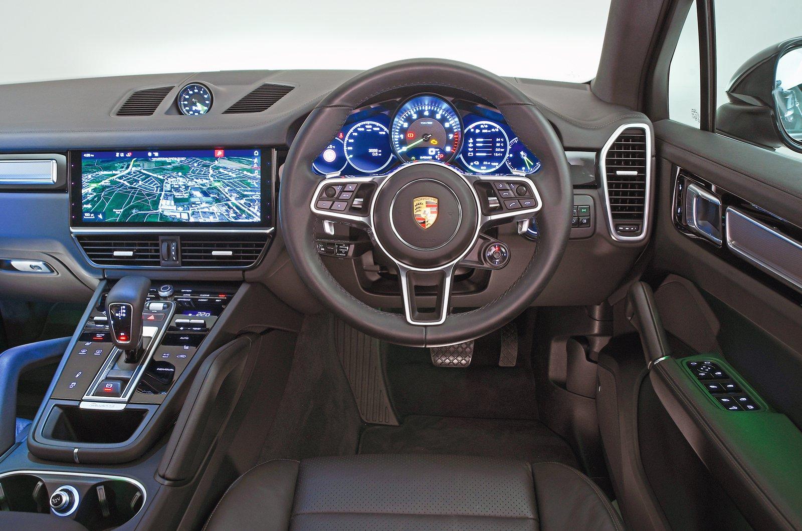Porsche Cayenne E-Hybrid dashboard