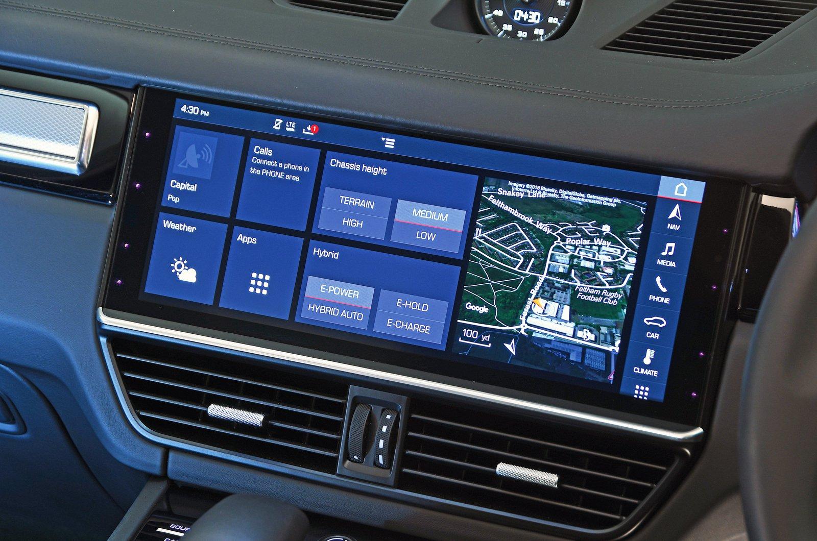 Porsche Cayenne E-Hybrid touchscreen